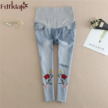3afe180db Fdfklak ropa de maternidad Jeans para mujeres embarazadas bordado flor Denim  Pantalones de maternidad de verano nuevo embarazo pantalones F265