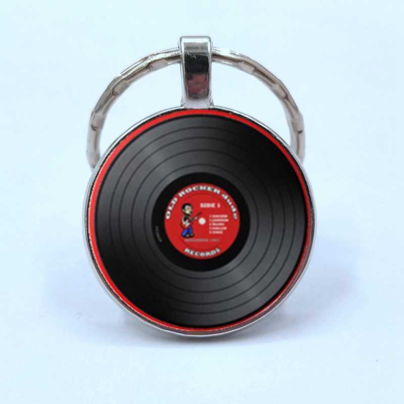 Sederhana Gaya Klasik Vinyl Record Retro Gramophone Record Kubah Kaca Gantungan Kunci Musik Pecinta Hadiah Grosir dan Eceran