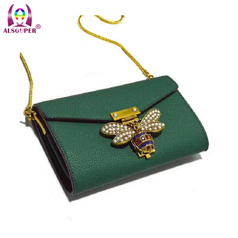 2018 Leather envelope bag Pearl decoration mini bag Lychee pattern shoulder bag Unique bee metal handbag недорого