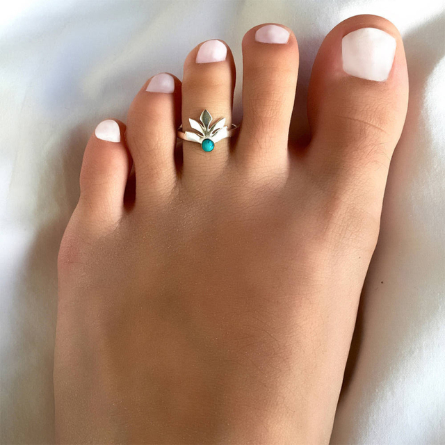 Vintage Leaf Toe Rings Fashion Summer Beach Jewelry Simple Plated Glossy Open Adjustable Alloy Blue Stone Foot Rings For Women