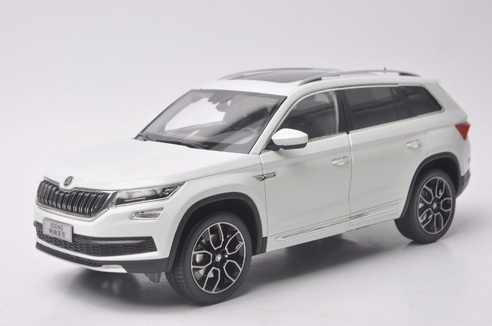 1:18 Diecast Model for Skoda Kodiaq 2016 White SUV Alloy Toy Car Miniature Collection Gifts 1 18 diecast model for skoda yeti blue suv alloy toy car miniature collection gifts
