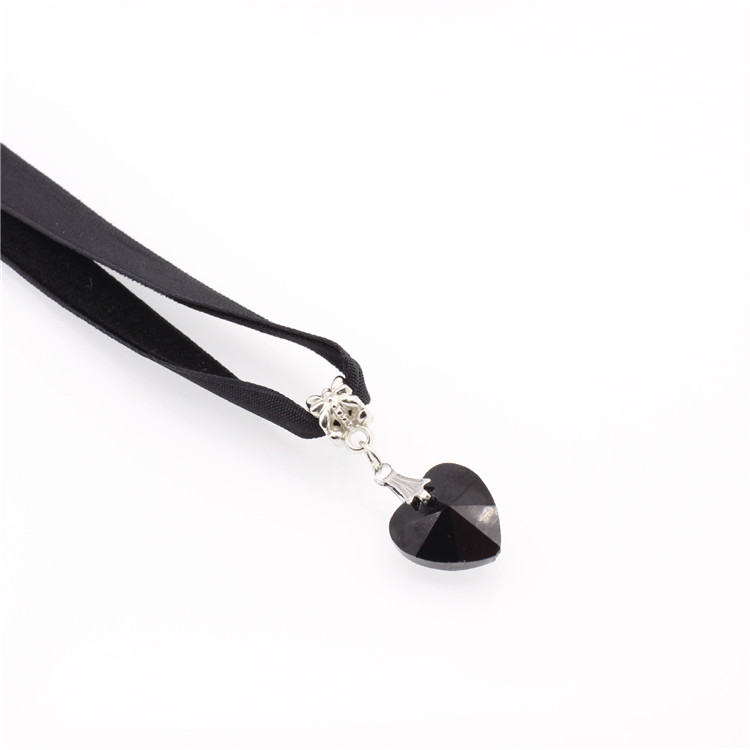 HTB1ITGGQFXXXXcFXVXXq6xXFXXXS - New Fashion Woman Velvet Choker Heart Crystal Pendant Necklaces For Women Jewelry Female Black Ribbon Necklace Party Gift Collar