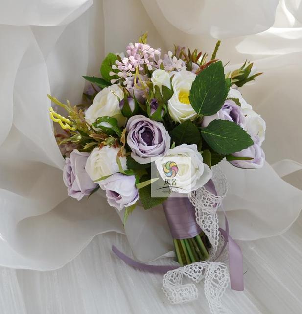 Bouquet Sposa Lavanda.Us 48 59 14 Di Sconto Floral Handmade Forniture Di Nozze Della Damigella D Onore Nuziale Bouquet Lavanda Artificiale Della Rosa Fiori Della Holding