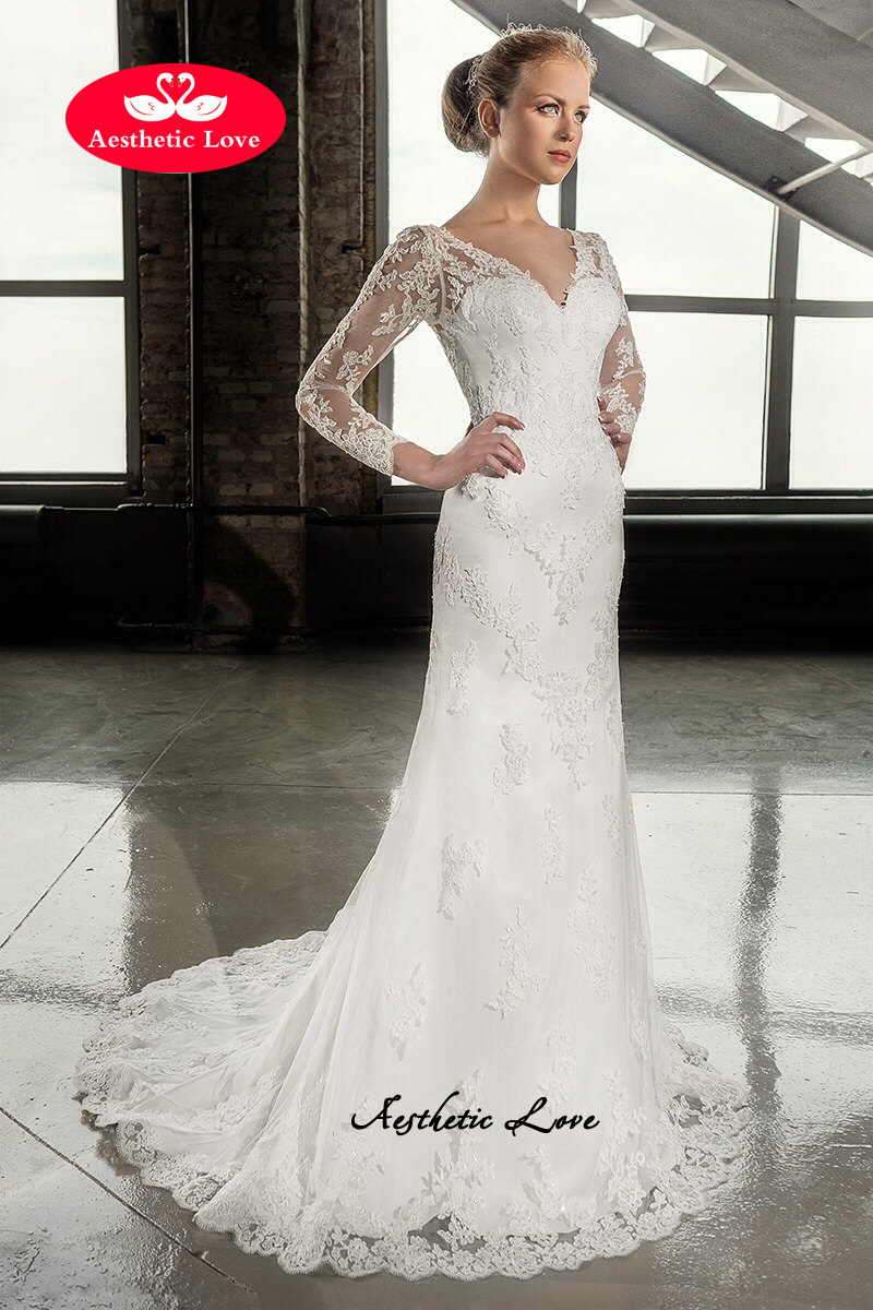 Slimming trumpet style lace wedding dress is with small buttons ...
