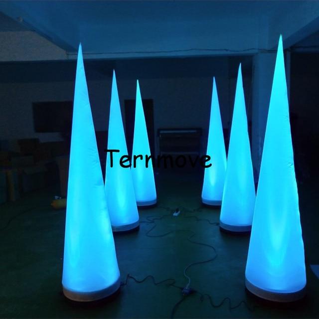 Colonne de lampe LED gonflable colorée/cône gonflable pour la décoration de partie
