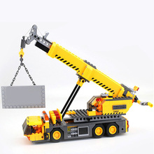 купить SLPF 380Pcs Toys For Children Model With Engineering City Building Crane Building Block Educational Brick Compatible Legoing K05 по цене 509.98 рублей