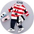 2016 Nuevo estilo de Otoño muchachos que arropan el sistema para 1-3y bebé de la impresión de algodón camiseta con rayas perro set A060