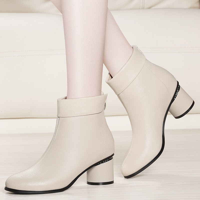 New Europe Brand Women Med High Heels Boots Round Toe Autumn Boots Black Genuine Leather Ankle Party Booties Shoes YG-A0203