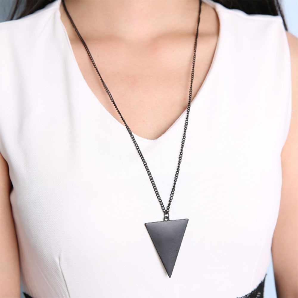 KISS ภรรยาสีดำทองเงินเครื่องประดับหญิง Punk สามเหลี่ยม Simple Retro ยาวสร้อยคอโดยตรงขาย