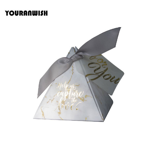 YOURANWISH 100pcsTriangular Pyramid gift box wedding favors and gifts candy box wedding gifts for guests wedding decoration