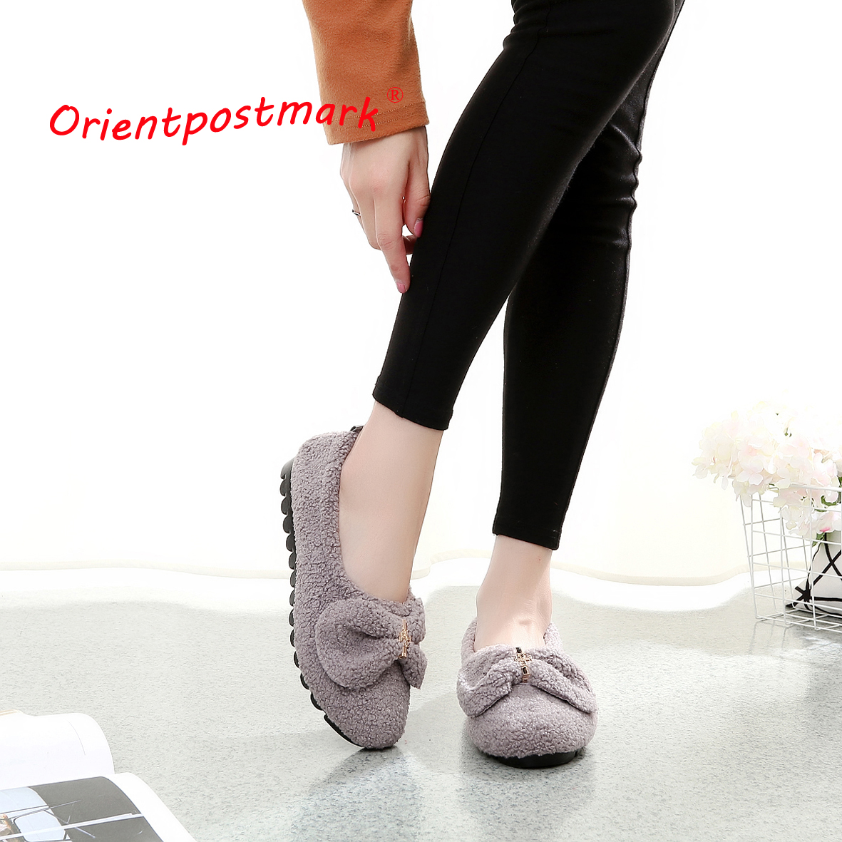 Mujeres Adultos Coral Velvet Home Indoor Shoes Soft Bottom Soft Surface Indoor Slippers El mejor precio 3 colores