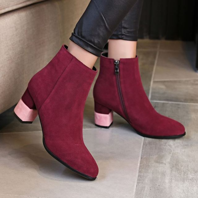 Women Half Short Genuine Leather Boots Woman New Design Square Heel Round Toe Bota Fashion Zipper Heeled Shoes Size 34-39