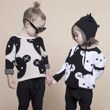Новинка года; одежда для маленьких мальчиков и девочек; милый Хлопковый вязаный модный детский свитер с рисунком медведя; цвет черный, белый; кардиган для мальчиков; Детское пальто