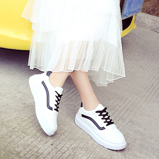 Fashion Platform White Black Women's Shoes Flats Casual Leather Platform Rubber Breathe PU Lace-up Winter Fur Superstar WFH18K-1