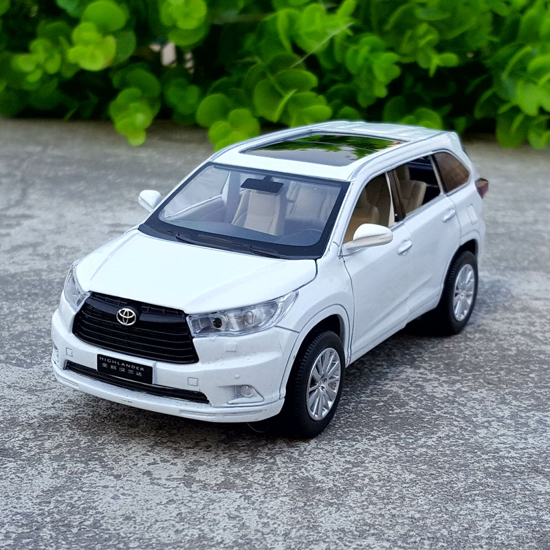 High Simulation Exquisite Diecasts & Toy Vehicles: ShengHui Car Styling 2016 TOYOTA HIGHLANDER SUV 1:32 Alloy Diecast Car Model