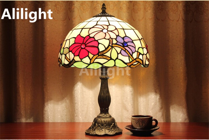 Tiffany Style Table Lamp With Flowers And Leaves Table Light Patterns  Stained Glass E27 LED Bedside