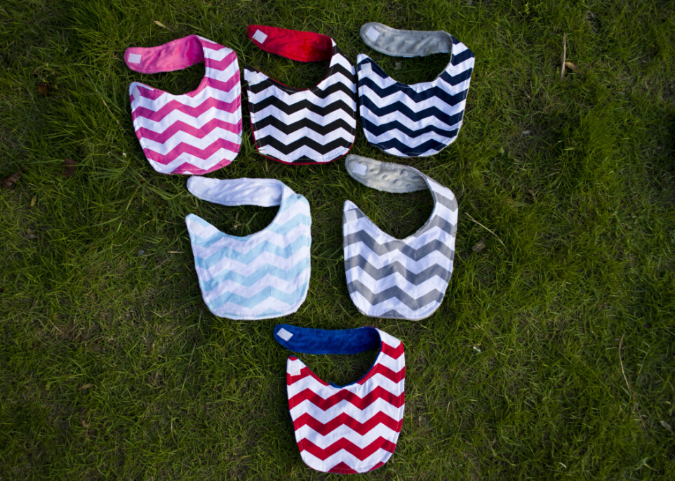 Mid-Year Sale2017 hot sale !!!Wholesale embroidered seersucker chevron baby bib cotton Baby kid bibs