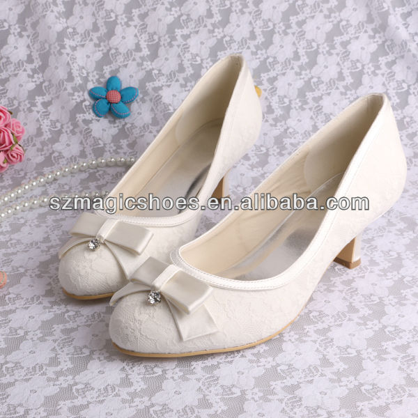 Low Heel Bow Shoes Ivory Color Lace High Quality Party Evening Wedding Pumps Woman Dress Shoe