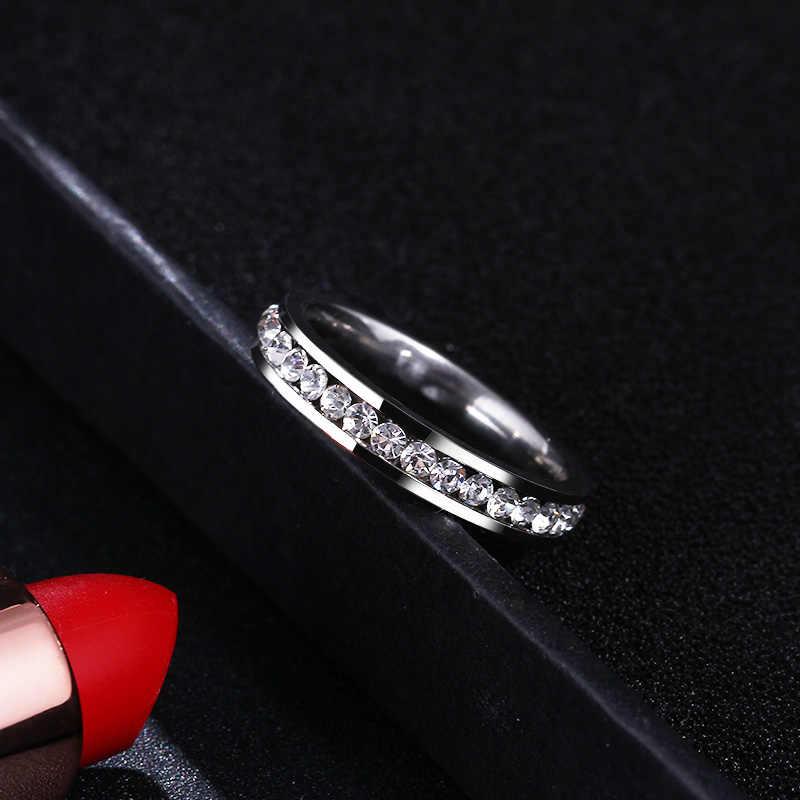 CACANA แหวนสแตนเลสผู้หญิง 4mm CZ Surround แฟชั่นเครื่องประดับขายส่ง NO.R326