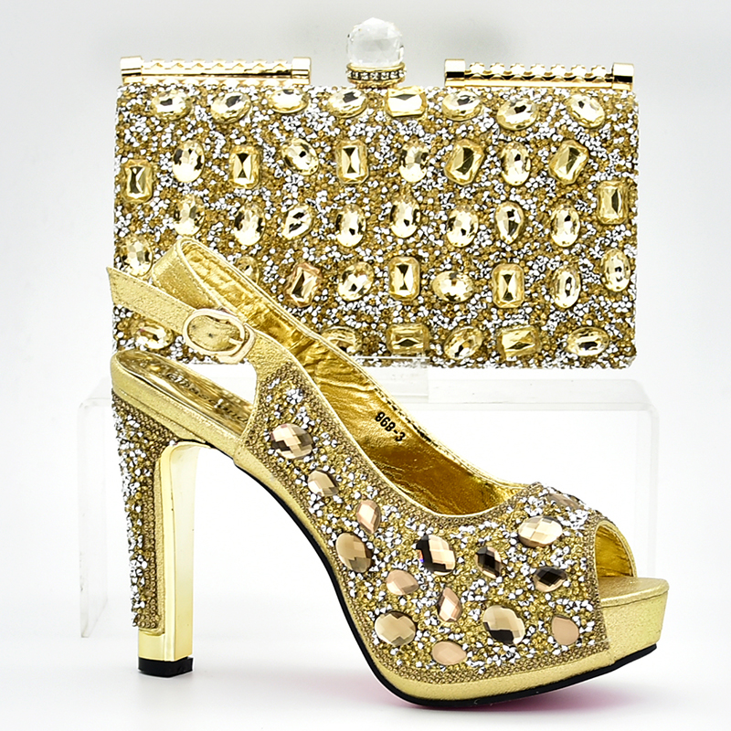 African Italian Shoes and Bag Set Gold Color Matching Women Shoes and Bag Set Decorated with Rhinestone Nigerian Shoes and Bag все цены