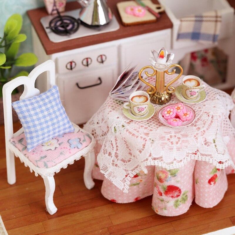 Casas de Boneca miniatura de móveis casa de Atenção : Away From The Fire
