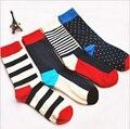 2016 nuevas rayas de color hombres calcetines tripulación de feliz calcetín harajuku informal vestido de diseñador de la marca de negocios patín largo moda