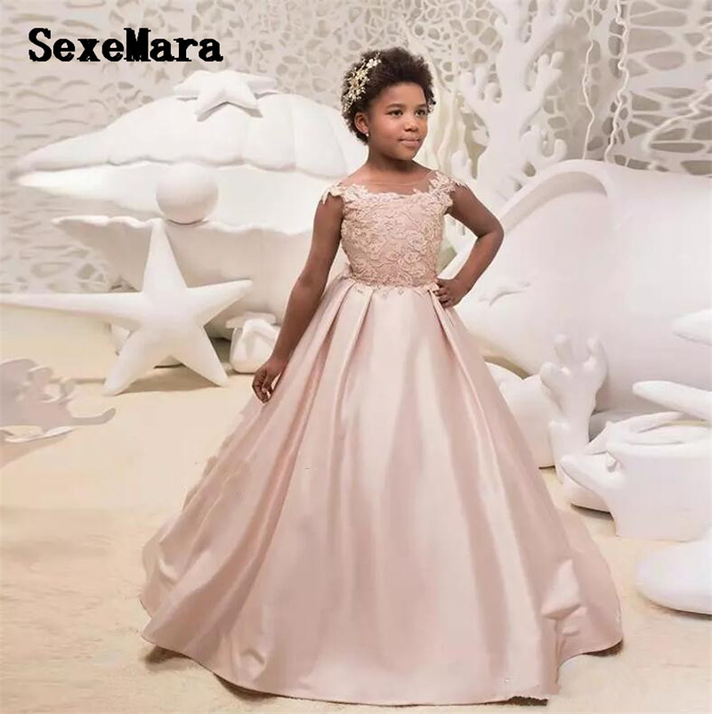 2019 Light Pink Girls Birthday Dress Sheer Neck Applique Lace Flower Girls Dresses for Wedding Party Pageant Gown Custom Made blush pink two pieces kids prom birthday party pageant dress o neck satin lace flower girls dresses for wedding custom made gown