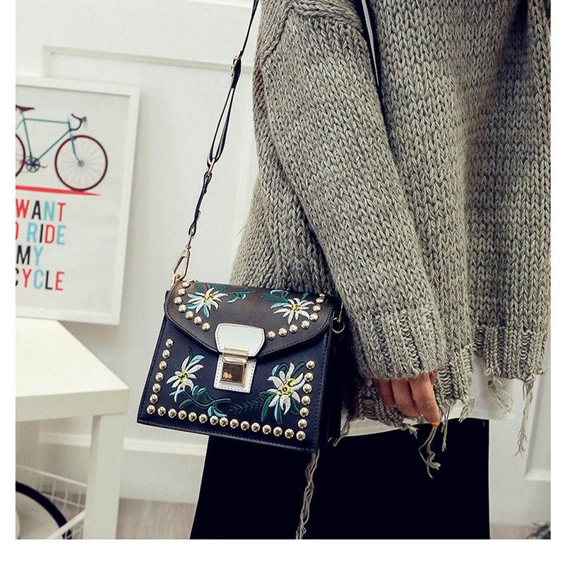 New Women Shoulder Bags Flower Rivet Handbag Ladies Small Crossbody Bags Women Messenger Bag Leather Flap Girls