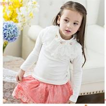 Здесь можно купить   2017 Spring Fashion New Baby Girls Clothing Warm Turtleneck Cute Lace Long Floral Sleeve Blouse Ruffle Blouse Tops For School  Children