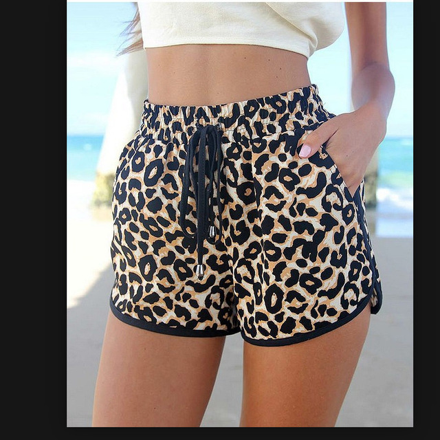 2018 summer European and American popular Leopard print shorts cool leopard with super sexy women's shorts