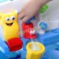 Hot Jogar Água Brinquedo Praia de Banho de Natação Salpicos Linda Torneira Automática Formas Cores Brilhantes Do Bebê da Criança Sustentada Da Torneira