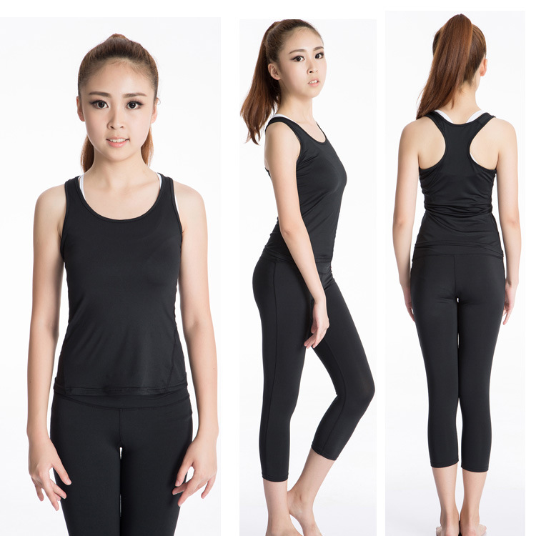 3b1bfa6f9c8da Summer Sexy Fitness Clothes Workout Tops Slim Workout Sleeveless Quick Dry  Vest for Women Tank Vest Plus Size White Halter Top-in Tank Tops from  Women s ...