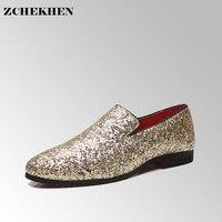 A europa Que Bling Plana Sapatos de Couro Strass Moda Mens Loafer Sapatas De Vestido Dos Homens Casuais Diamante Apontou Toe Sapatos de Ouro Prata #33