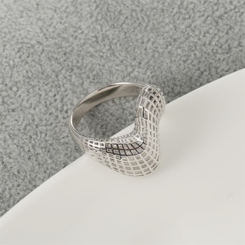 Irregular 3D Geometry Ring9