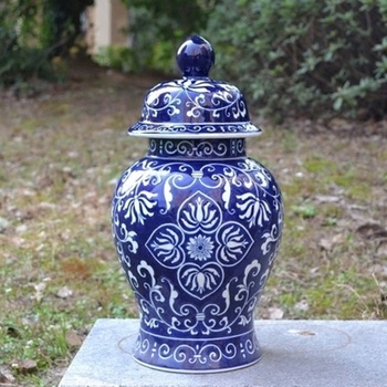 H35CM Blue and white porcelain ornaments, ceramic general tanks storage tanks vestibule decorations