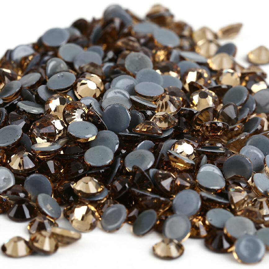 Все размеры 40 цветов кристалл AB исправление стразы, Стекло Стразы исправленное железо на Стразы для дизайна ногтей шитье и ткань Decoretion - Цвет: Lt.C.Topaz