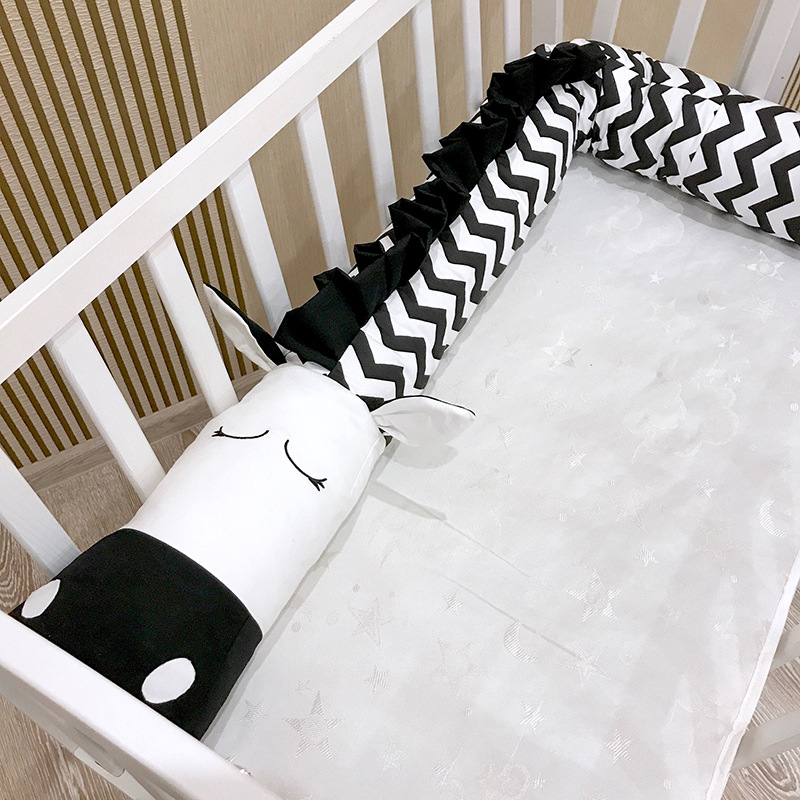 Baby crib crashproof cushion black and white bed bumper