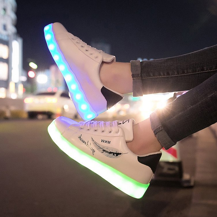 2019 New Arrival Luminous Sneakers USB Charger Women Glowing Sneakers Feminino Baskets With Light Children Led Shoes