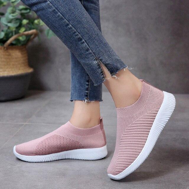 167b1b25679 US $9.2 54% OFF|Autumn winter women shoes 2019 fashion hot light tenis  feminino breathable mesh female shoes women sneakers walking shoes woman-in  ...