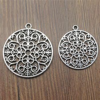 1 sztuk Charms rzeźbione Mandala antyczne srebro kolor okrągły rzeźbione Mandala Charms wisiorek Mandala Charms dla tworzenia biżuterii tanie i dobre opinie Irelia CN (pochodzenie) Ze stopu cynku Other moda Metal Archiwalne