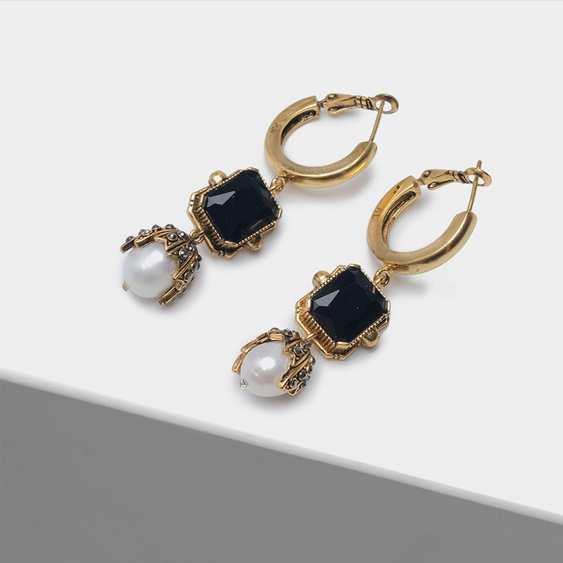 Fashion vintage drop earringsFashion vintage drop earrings