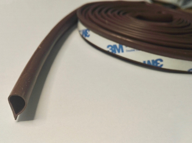 Self Adhesive Teardrop Seal Strip Door Jamb Corner