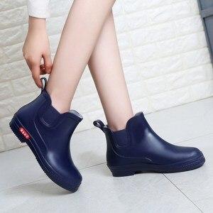Image 2 - SWYIVY Rainboots أحذية امرأة الكاحل عالية 2018 الخريف الإناث Wellies أحذية ماء وأشار شقة لون الحلوى Rainboots أحذية نصف رقبة من المطاط