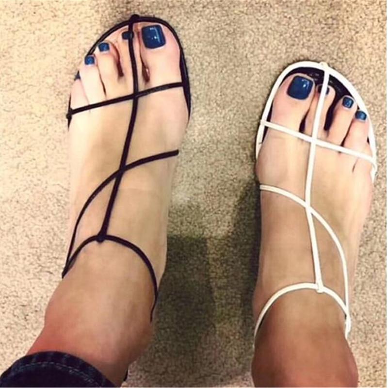 Sexy découpes femmes d'été sandales noir blanc boucle sangle talons aiguilles escarpins Style de rue gladiateur tenue chaussures femme