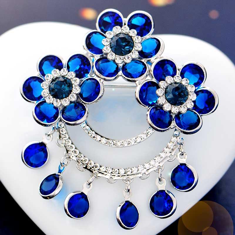 font b Women s b font wedding Christmas Brooch Pin Brooch female Korean crystal jewelry