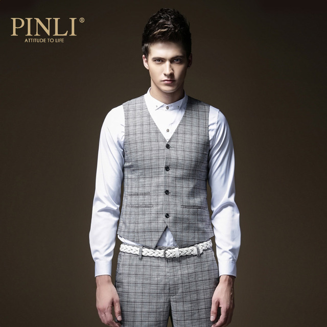 Free shipping 2016 new autumn men's male personality man Spring Fashion young casual Plaid vest M006 England slim on sale