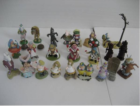 small pvc figure Alice in Wonderland doll ornaments PVC hand-done figure 22pcs/set ,only one set pvc figure all kinds of horses 15pcs set