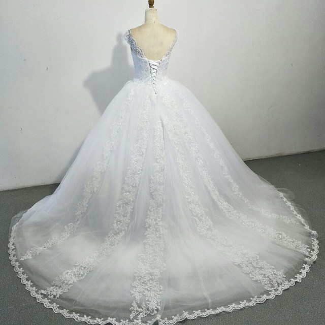 Online Shop Luxury Ball Gown Wedding Dresses With Cap Sleeves Lace ...