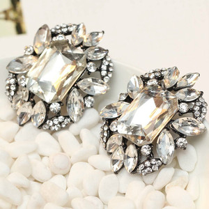 HOT HOT HOT Women's fashion earrings New arrival brand sweet metal with gems stud crystal earring for women girls J C Z A(China)