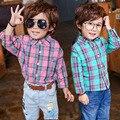 2017's Primavera Camisa A Cuadros de Algodón Camisa de Polo Del Muchacho de Los Niños Para niño Y niña de Cuello de Camisas de Los Muchachos Niños Chicos Primeros Niños camisas